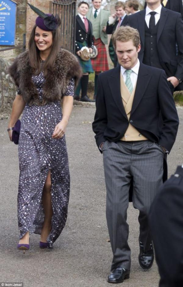 14.04.13: Hier Pippa était de mariage avec son ex George Percy à Aberdeenshire en Ecosse.