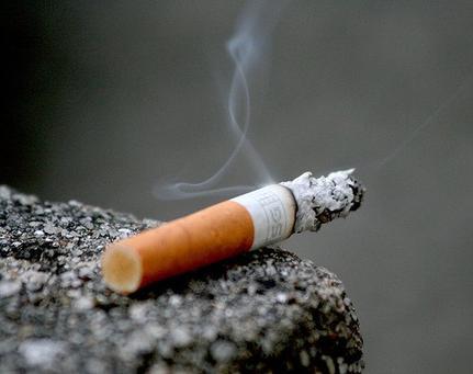 "✝""fumer tue"" tu t'es cru immortel connard!?"