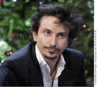 "Interview d'Arnaud Tsamere dans le magazine ""Mensuel"""