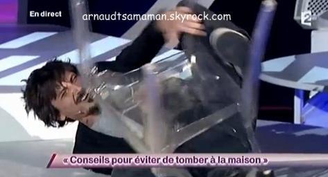 Conseils pour éviter de tomber à la maison (66ème passage d'Arnaud Tsamere)