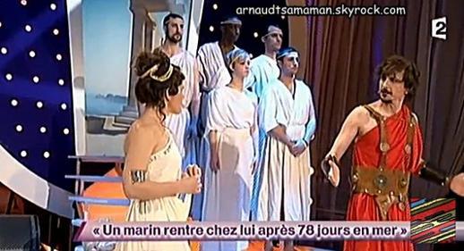 Arnaud Tsamere en guest dans le sketch d'Antonia (Un marin rentre chez lui après 78 jours en mer)