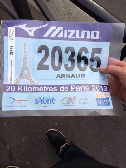 """Arnaud Tsamere a participé au """"20km de Paris"""""""