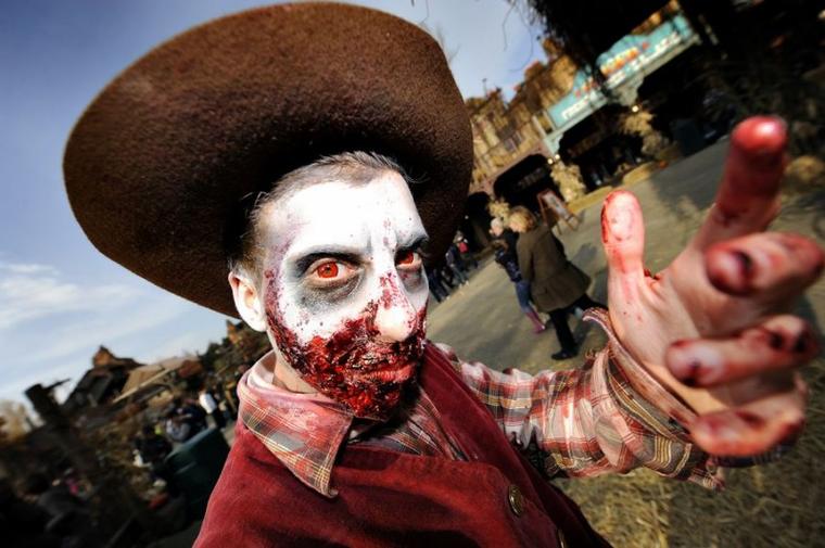 Scare zone du Farwest (Zone) Halloween Zombie Attack 2012 (Walibi)
