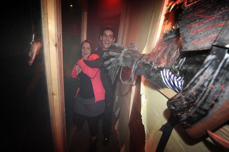 Zoo Terror (House) Halloween Zombie Attack 2012 (Walibi)