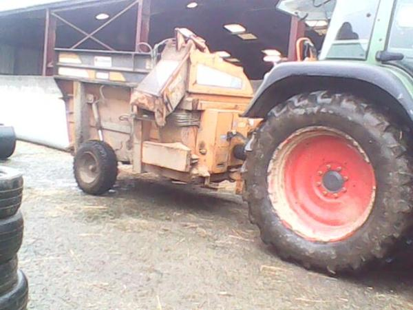 Fendt 412 (125 ch) Avec La Hullotte 45