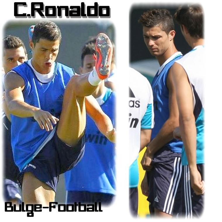 Cristiano Ronaldo bulge grabbing