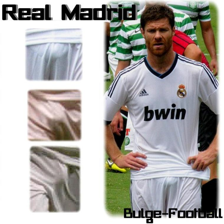 Real Madrid bulge : Xabi Alonso, Esteban Granero, Gonzalo Higuain GIF