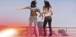 Les véritables amis sont dures à trouver, difficiles à quitter et imposssible à oublier !!