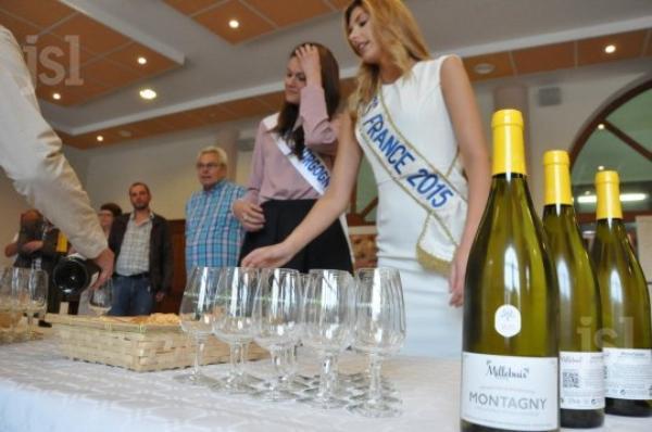 Camille Cerf / Janyce Guillot - Visite cave des vignerons de Buxy