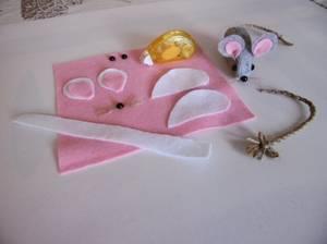 Des petites souricettes avec le roller ruban adhésif .