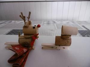 Rudolph le petit renne au nez rouge  en pince serviette
