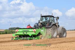 NEW Deutz 7250 WARRIOR & 9340 TTV | Planting Potatoes 2018 !