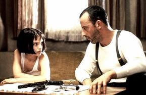 - Mathilda, si tu me refais un coup comme ça, je t'éclate la tête, ok ? - Ok. - Je travaille pas comme ça, c'est pas professionnel, et y a des règles ! - Ok. - Et arrêtes de me répondre « ok » sans arrêt, ok ? - Ok.