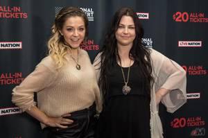 """Amy & Lindsey Sterling étaient dans les studios Sirius XM afin de discuter à propos de la tournée américaine en juillet. Un clip pour Hi-Lo serait """"également prêvu."""