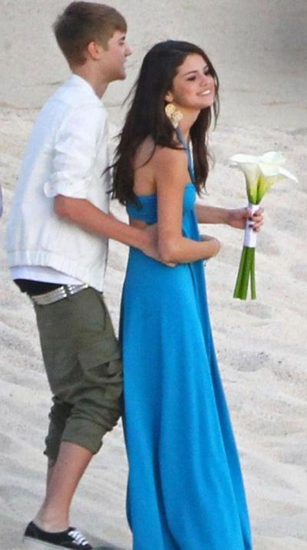 Selena Gomez et Justin Bieber à la plage: Ils sont trop miggnnoonnnn !!!!!!!!!!!!