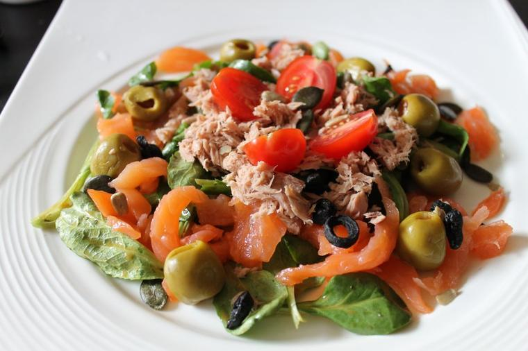 Salade de rampon, saumon et thon