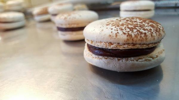Macarons chocolat insert praliné