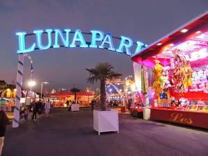 CHAPITRES 28- Journée au Luna Park