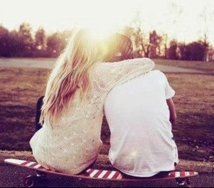 """""""À un ami on dit tout, à un amour on donne tout."""" ?"""