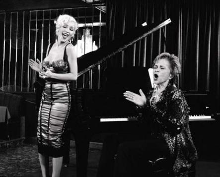 Etta James s'est éteinte le 20 janvier, à l'âge de 73 ans. Christina chante & raconte :