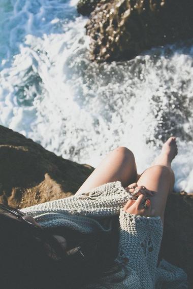 Comme les vagues viennent mourir sur les rochers - Mardi 7 Avril