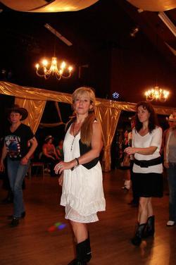 Soirée bal country '' fete de la musique '' du vendredi soir , 21 juin 2013.