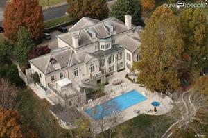 Quelques demeures de chanteurs country célèbres à Nashville , dont une à vendre !! Qui serait intéressé ?
