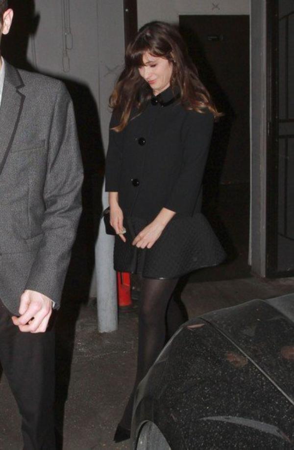 """...LE 31 JANVIER 2014 """"ELLEN"""" ET KELKE AMIE TELLE KE """"JENNIFER ANISTON"""" ET """"ZOEY DESCHANEL"""" KE LON PEUT VOIR SUR SES IMAGES CI-DESSOUS (""""Zoey"""" est la petite soeur de l'actrice """"Emily Deschanel"""" ki incarne le role de BONES dans la serie ki porte son nom ) ON FETER L'ANNIVERSAIRE DE """"PORTIA"""" DANS UN RESTAURANT DE LOS ANGELES !!!......L'ACTRICE AUSTRALIENNE A DEJA 41ans !"""