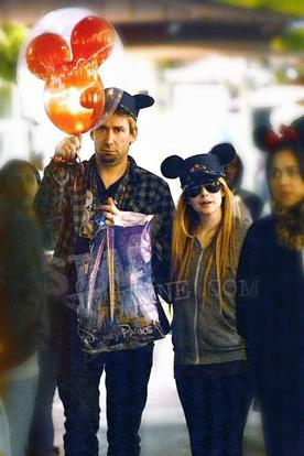 Avril et Chad à Disneyland