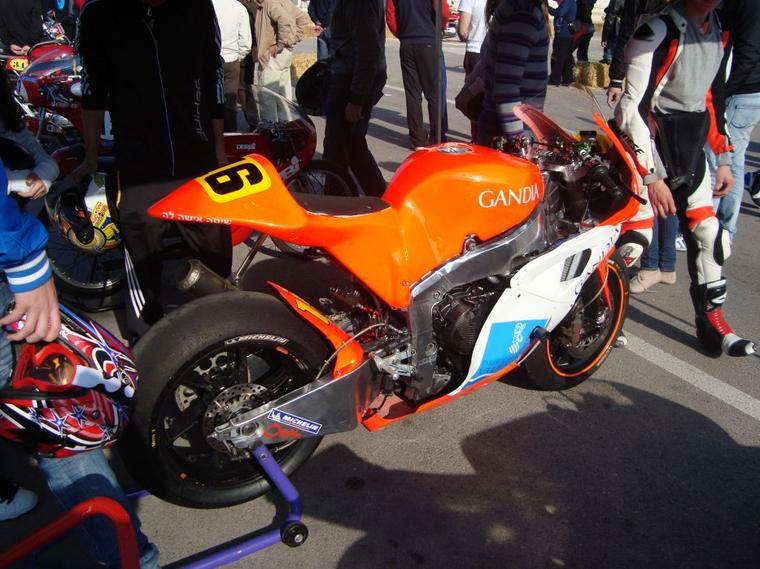 Moto 2 du mon pote Oscar Climent