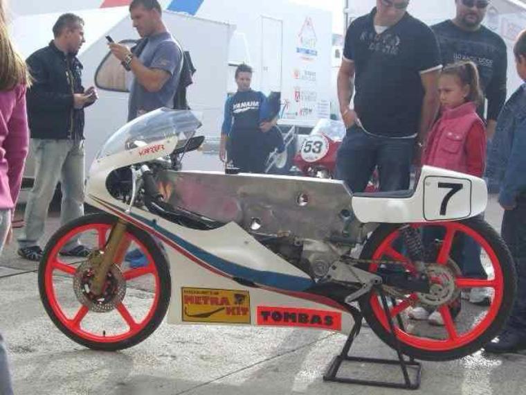 Moto Metrakit / Tombas