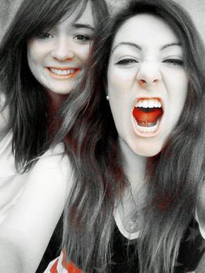 Coralie & Carolane.  ♥