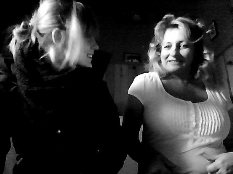 Je souhaite à tout les gens du monde d'avoir une mère comme toi. Et pour l'pire de mes ennemis de perdre une mère comme toi. ♥