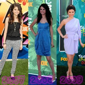 En quelle année , Selena a été la plus belle au Teens Choices Awards ?
