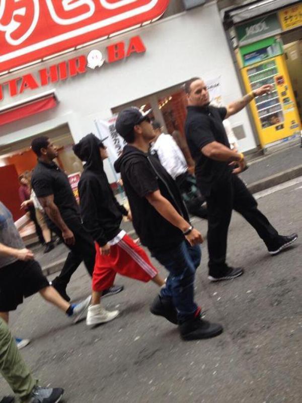 LE 05/10 - Justin était à la fête de NEO Adidas à Shanghai !!