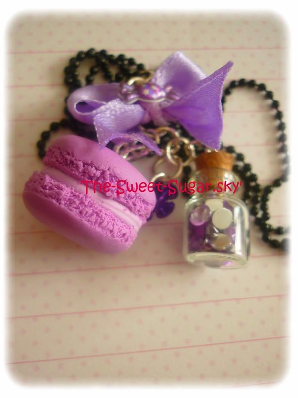Collier macaron et fiole * (Plus disponible)