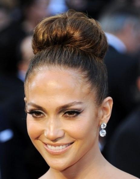 Le chignon bombé de Jennifer Lopez