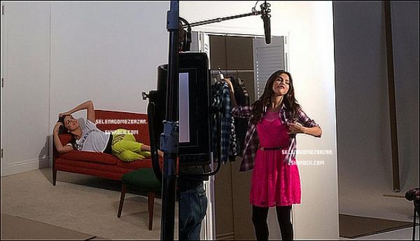 """Vidéo de Selena : """"Et ils m'ont dit que je n'ai pas besoin de m'inquiéter .. je pourrais rester au lit toute la journée."""""""