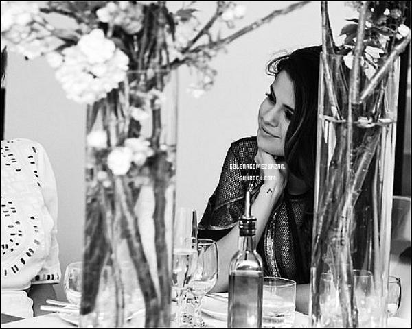 """*06/05/14. Selena était présente au dîner du lancement du livre """"Letters to the men I have loved"""" de Mirtha Michelle. Top ou Flop ? Moi, je la trouve MAGNIFIQUE ! ♥"""