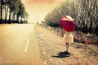 « On peut trouver le bonheur, même dans les moments les plus sombres, Il suffit juste de se souvenir d'allumer la lumière »