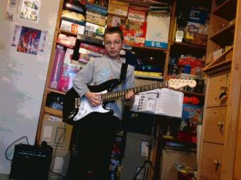 Ma guitare et moi !^^