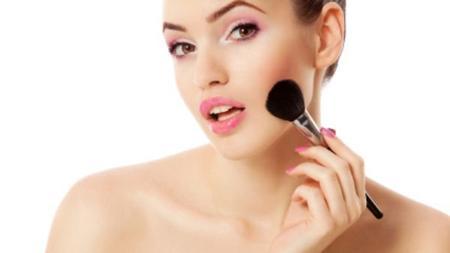 Un maquillage parfait : Coup de blush, effet bluff