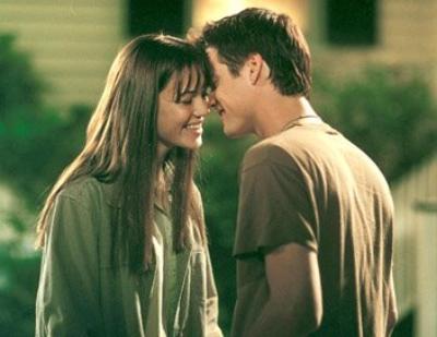 Mais notre amour est comme le vent, je ne peux pas le voir, mais je peux le sentir.
