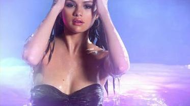 ♥ Selena Gomez – Debut Perfume !