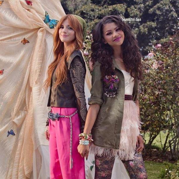 bella and zendaya  vous prefere bella aimer et pour zendaya commenter!!!