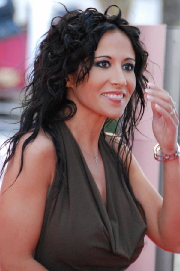 Samia Nassri-Boher (Fabienne Carat )