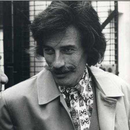 Jean FERRAT avant de rentrer en studio d'enregistrement (1974)