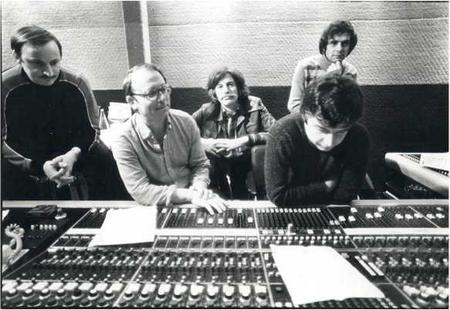 Jean FERRAT en studio avec le Producteur  Mic LANARO (1974)