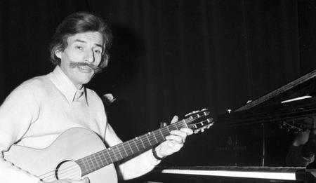 Jean FERRAT en studio (1974)