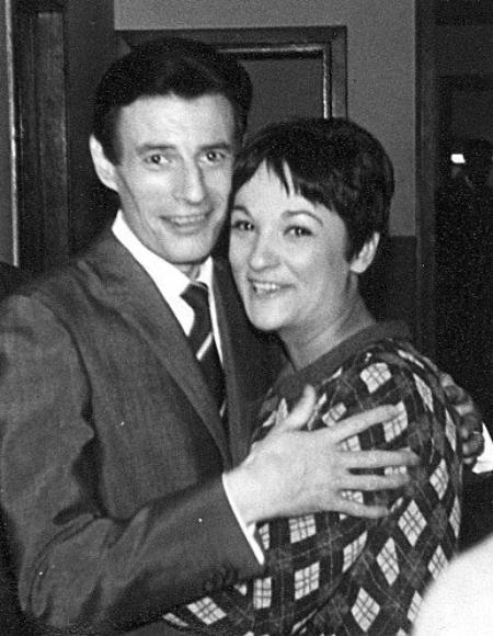 """1966) Jean FERRAT et Suzanne GABRIELLO à """" L'Ancienne Belgique """" à Bruxelles"""